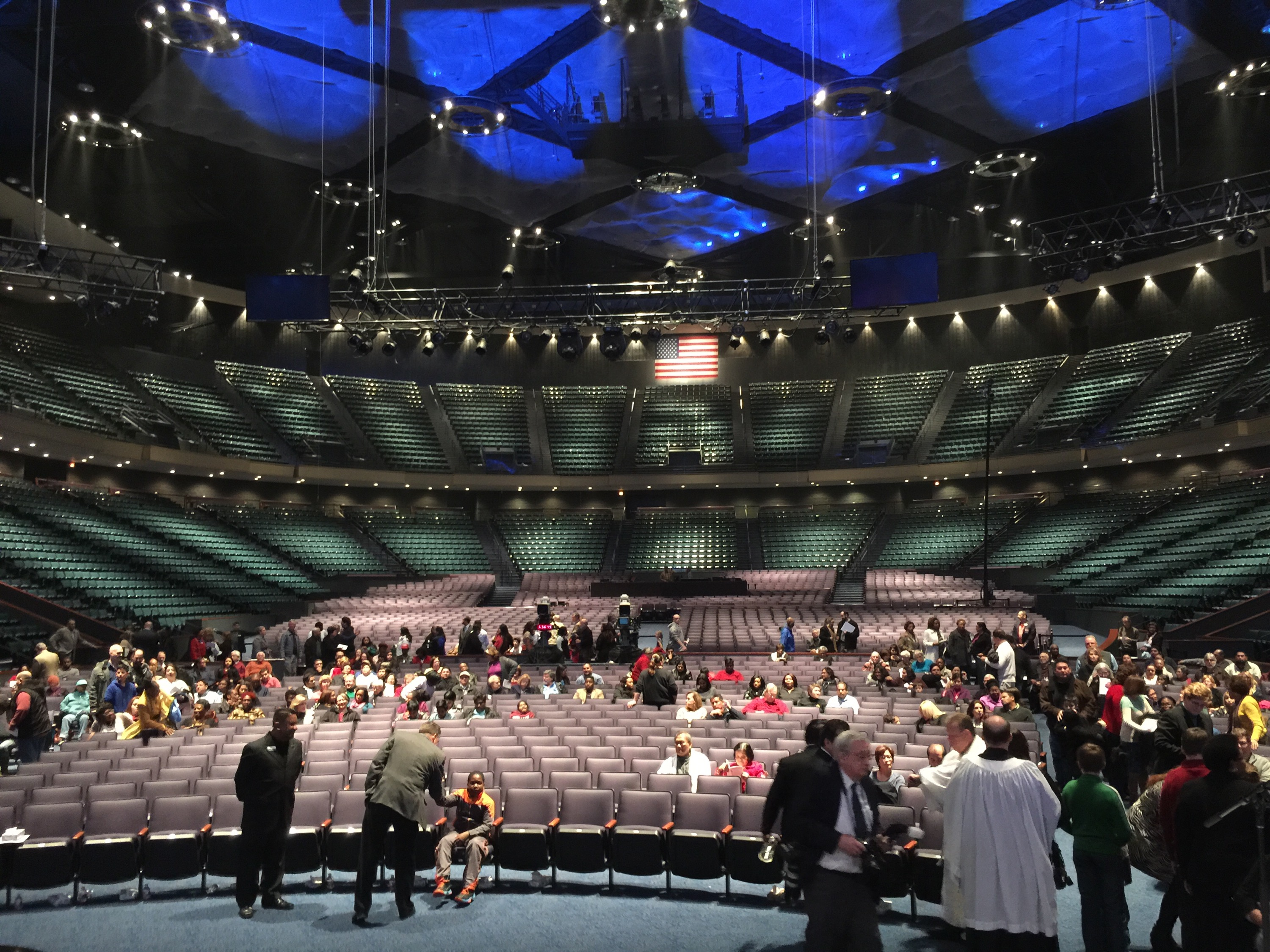Visiting Lakewood Church for the First Time – Bishop ...